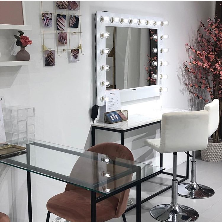 makeup-mirror-with-led-lights